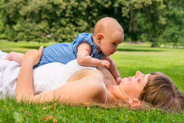 YOGA SUNANDA | Yogakurse | Yoga mit Baby und Rückbildung