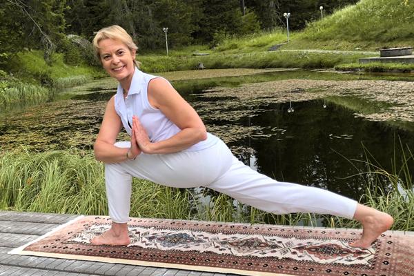 Hatha Yoga YOGA SUNANDA Winterkurse 2019