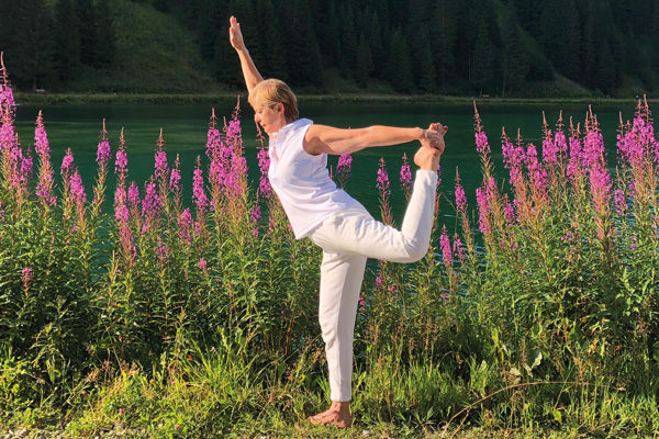 Hatha Yoga YOGA SUNANDA Frühlinkgkurse 2019