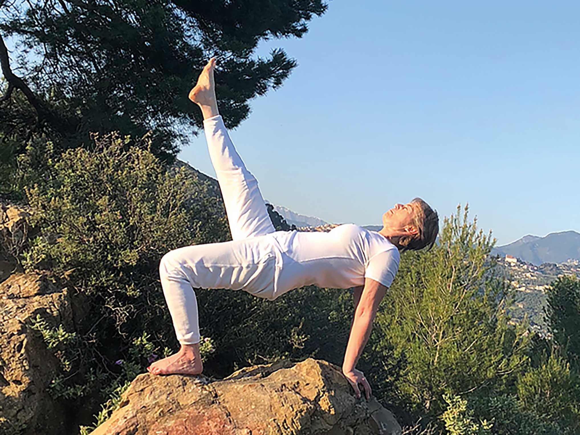 YOGA SUNANDA | Hatha Yoga